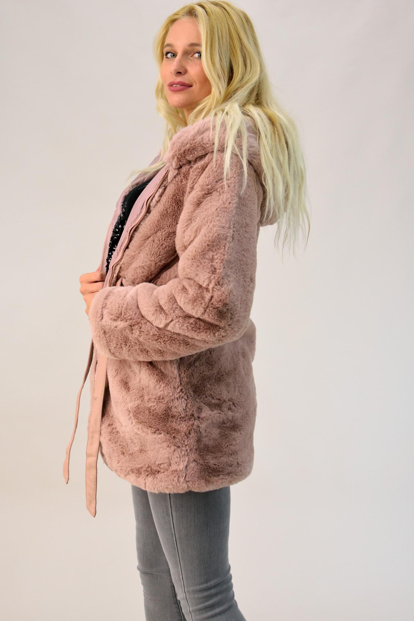65450158ce06 Παλτό από συνθετική γούνα με κουκούλα. Tap to expand