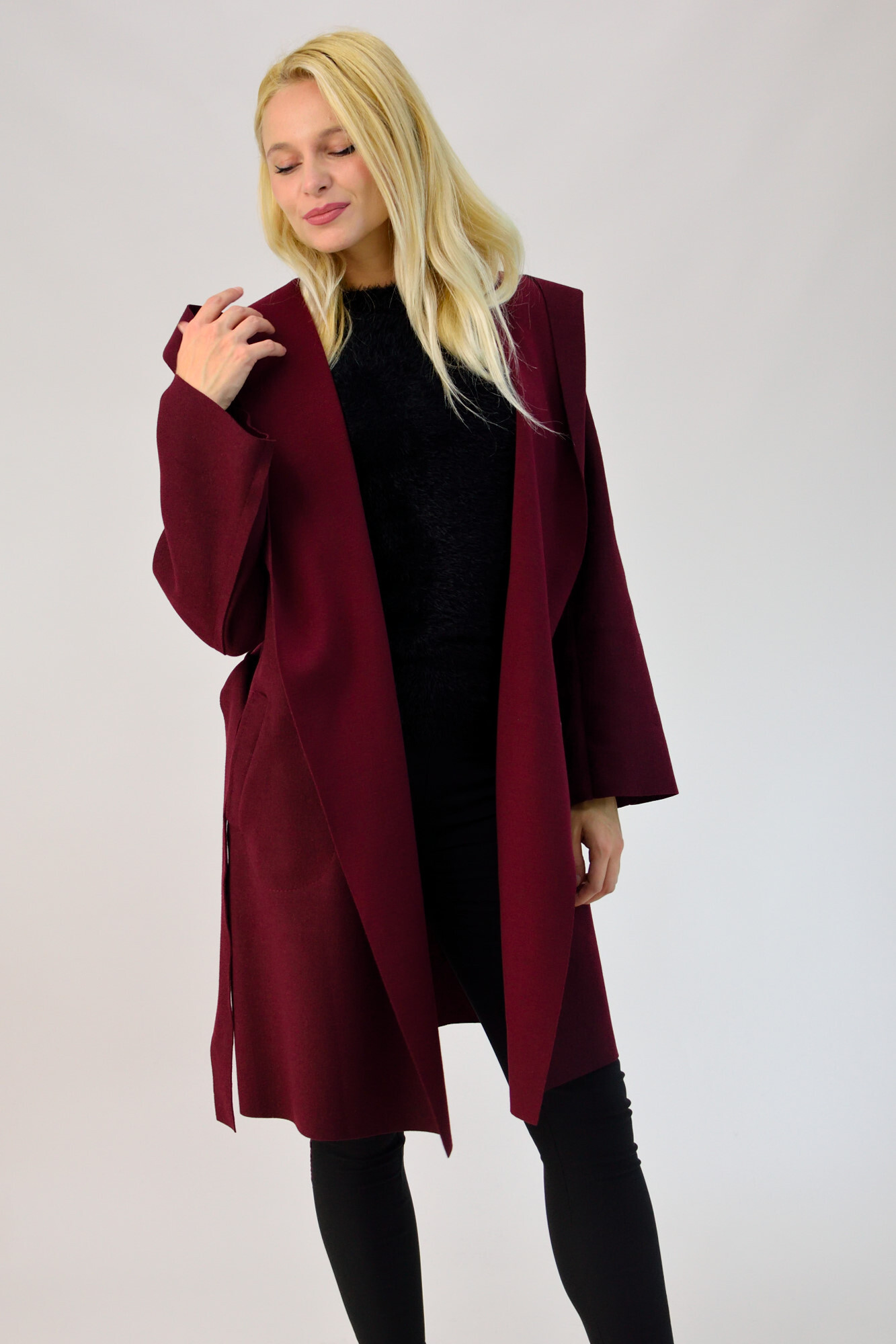 993da3a95aab Γυναικείο παλτό με ζώνη και κουκούλα