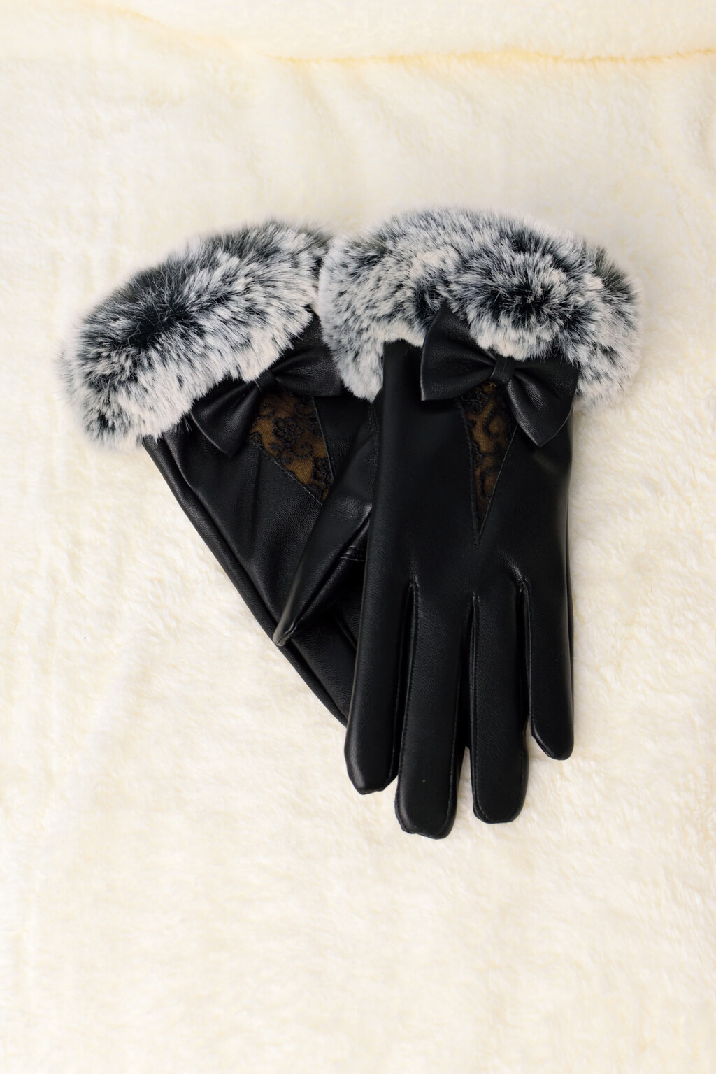 c5c26c4ff3 Γυναικεία δερμάτινα γάντια