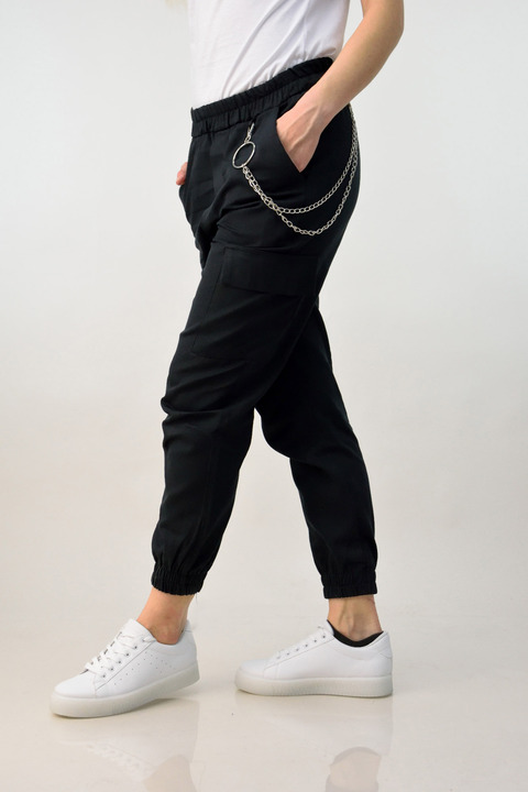 Γυναικείο παντελόνι με αλυσίδα - Μαύρο