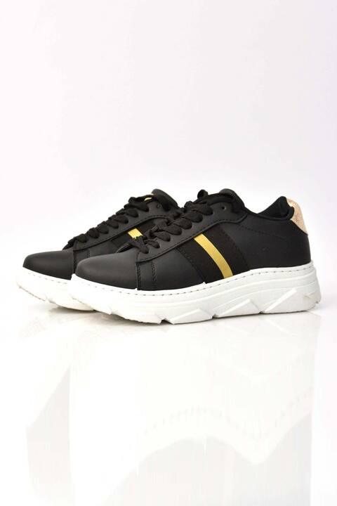 Γυναικεία sneakers με χρυσή λεπτομέρεια - Μαύρο