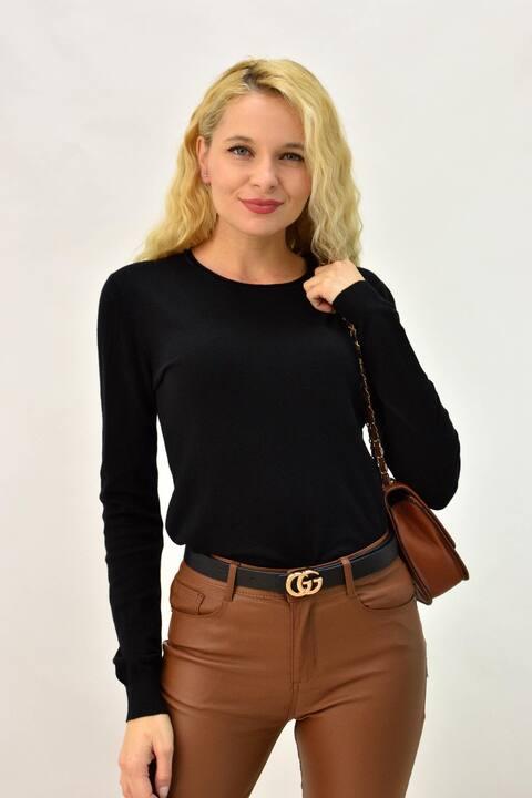 Γυναικεία μπλούζα πλεκτή με στρογγυλή λαιμόκομψη - Μαύρο