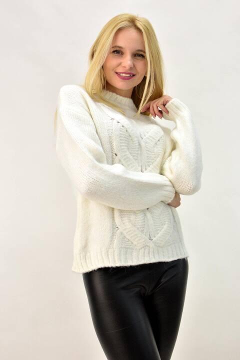 Πλεκτό πουλόβερ με σχέδιο πλεξούδα  - Εκρού