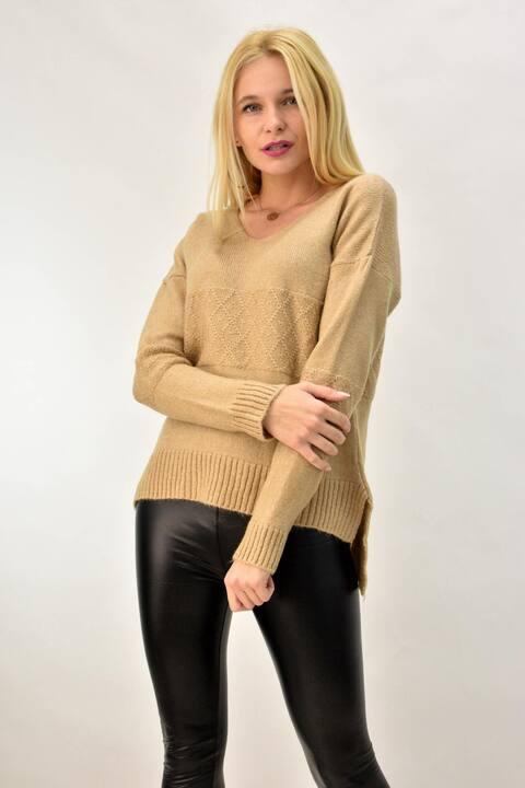 Γυναικείο πλεκτό πουλόβερ ασύμμετρο  - Μπεζ