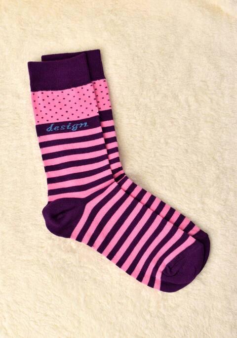 Γυναικείες κάλτσες με ρίγα και πουά - Μωβ