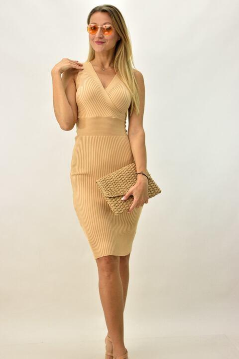 Γυναικείο φόρεμα εφαρμοστό - Μπεζ