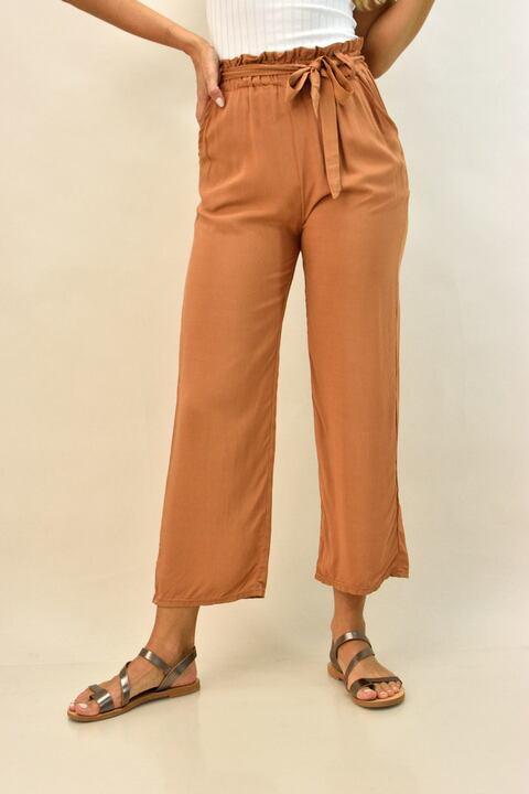 Γυναικεία παντελόνα με ζώνη - Κάμελ