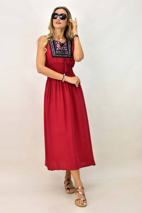 Γυναικείο φόρεμα  με κεντημένο μοτίφ - Κόκκινο