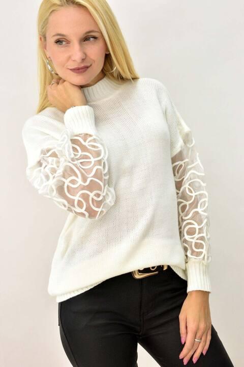 Γυναικείο πλεκτό με σχέδιο στο μανίκι - Λευκό