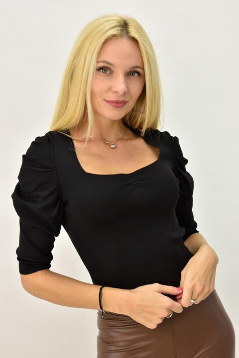 Γυναικεία μπλούζα με φουσκωτά μανίκια - Μαύρο