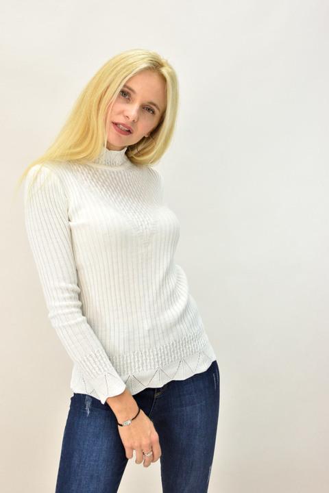 Γυναικείο πλεκτό πουλόβερ με λουπέτο - Εκρού