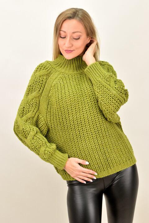 Γυναικέιο πουλόβερ με σχέδιο πλεξούδα στο μανίκι - Λαχανί