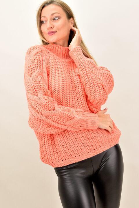 Γυναικέιο πουλόβερ με σχέδιο πλεξούδα στο μανίκι - Κοραλί
