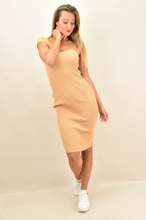 Γυναικείο εφαρμοστό φόρεμα  - Μπεζ