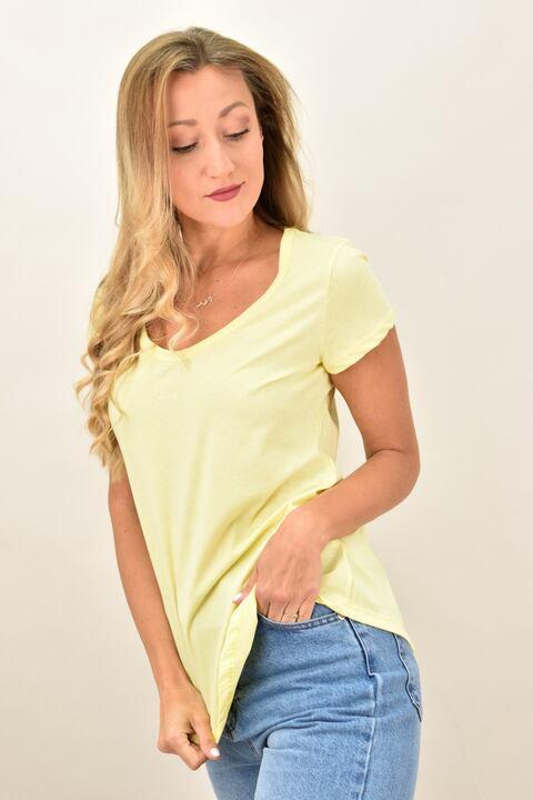 Γυναικεία μπλούζα με στρογγυλή ανοιχτή λαιμόκομψη - Κίτρινο