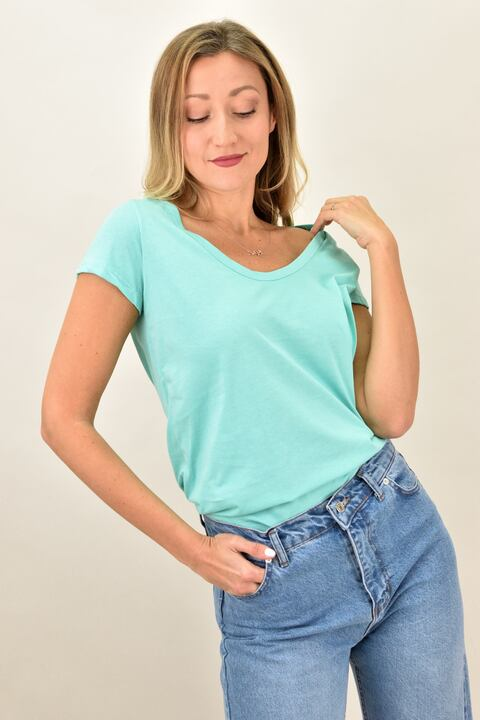 Γυναικεία μπλούζα με στρογγυλή ανοιχτή λαιμόκομψη - Βεραμάν