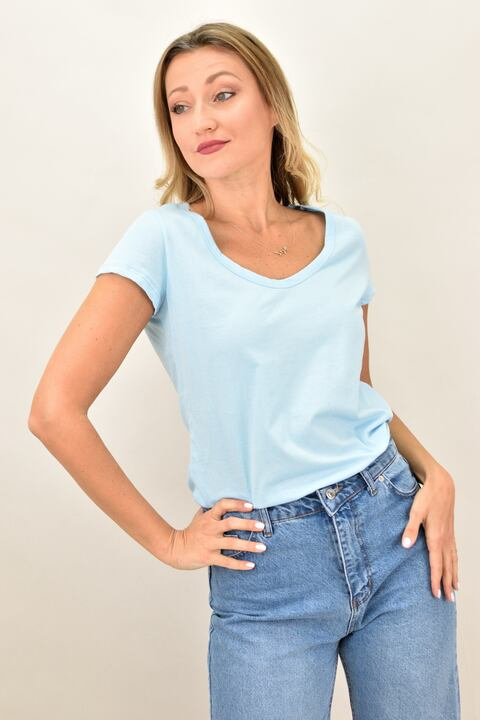 Γυναικεία μπλούζα με στρογγυλή ανοιχτή λαιμόκομψη - Γαλάζιο