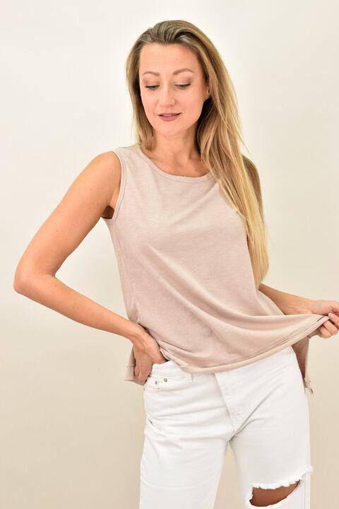 Γυναικεία αμάνικη μπλούζα με στρογγυλή λαιμόκοψη - Μπεζ