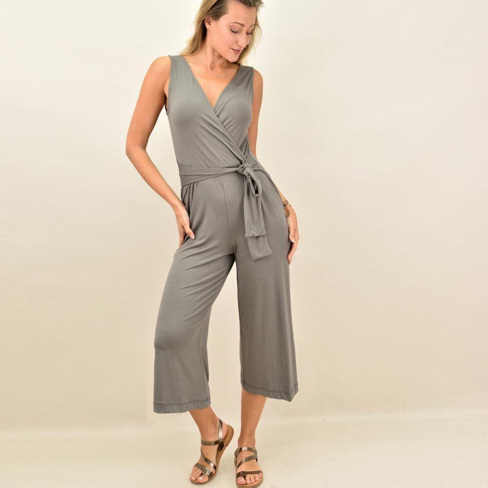 Γυναικεία ολόσωμη φόρμα για μεγάλα μεγέθη