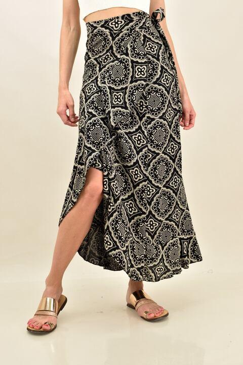 Κρουαζέ φούστα με μοτίβο και βολάν  - Μαύρο