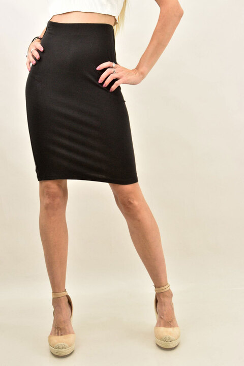 Γυναικεία μίντι φούστα μονόχρωμη - Μαύρο