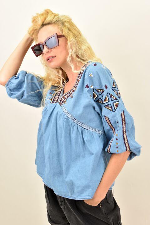 Mπλούζα boho style με V  λαιμόκοψη κεντημένη  - Μπλε