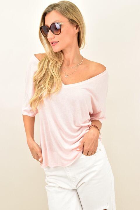 Γυναικεία μπλούζα ριχτή με βαθιά λαιμόκοψη - Απαλό Ροζ