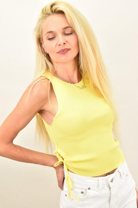 Γυναικείο  τοπ αμάνικο - Κίτρινο