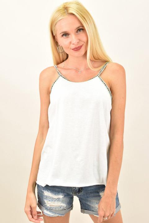 Γυναικείο μπλουζάκι με τρέσα στις τιράντες - Λευκό