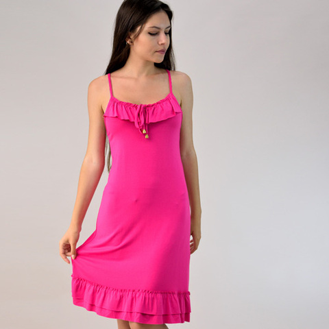 Φόρεμα μονόχρωμο με βολάν
