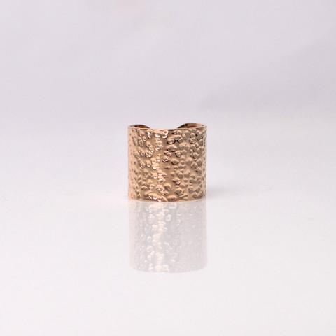 Δακτυλίδι ανάγλυφο σε χρυσό χρώμα