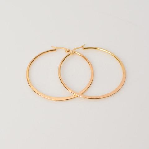 Σκουλαρίκια κρίκοι σε χρυσό χρώμα