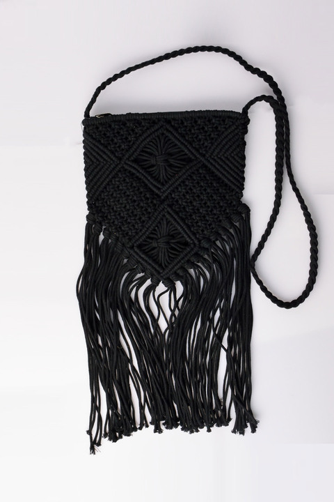 Τσάντα πλεκτή χιαστί με κρόσια - Μαύρο
