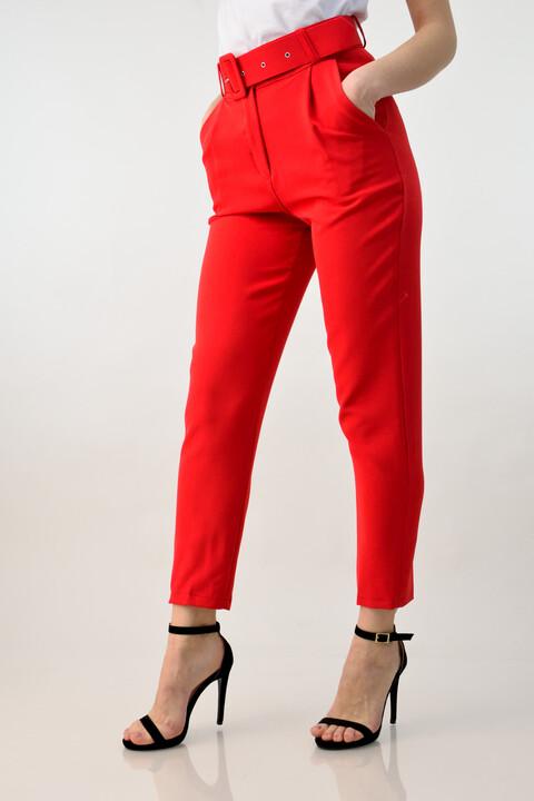 Ψηλόμεσο παντελόνι με ζώνη - Κόκκινο