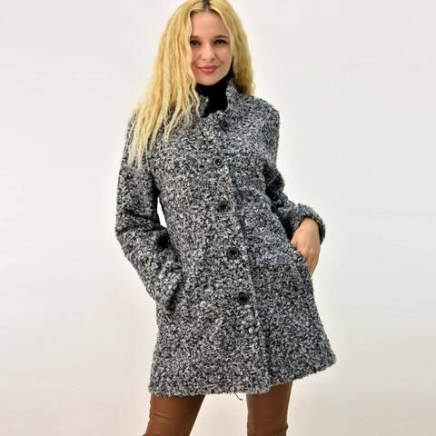 Παλτό μπουκλέ με γιακά και κουμπια